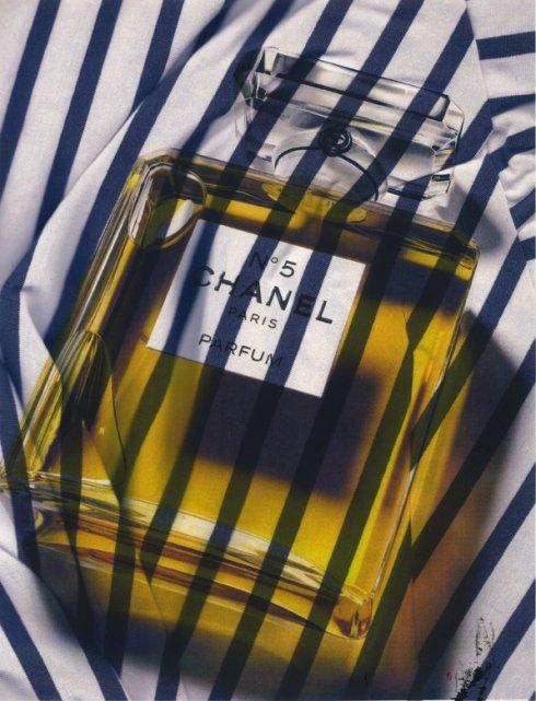 Chanel_Bottle_Stripe